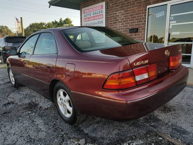 1999 Lexus ES 300 for sale at Privileged Auto Sales in Gladstone MO