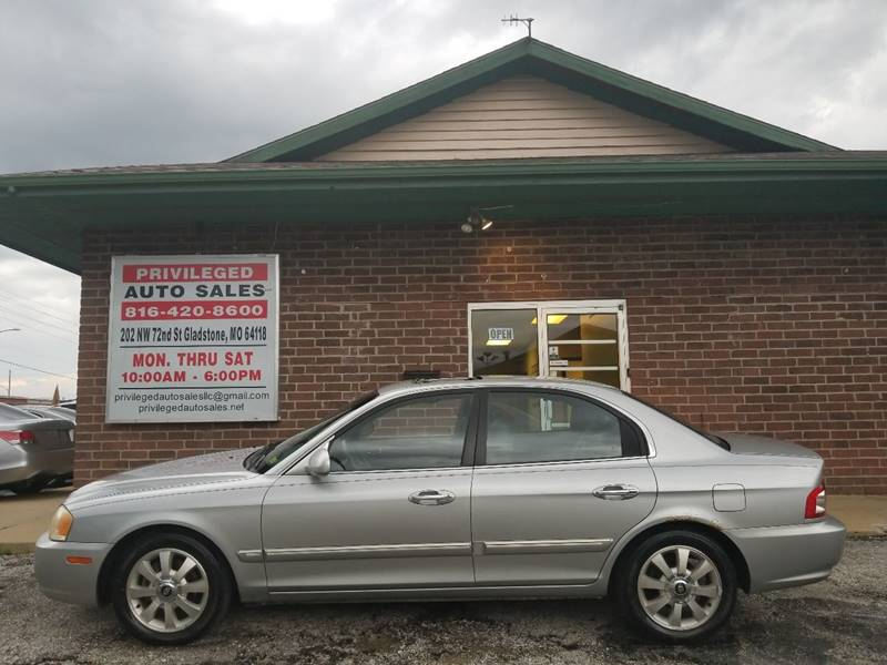 2004 Kia Optima for sale at Privileged Auto Sales in Gladstone MO