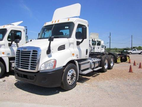 2010 Freightliner Cascadia for sale in Hermiston, OR