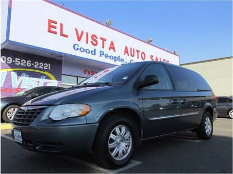 2006 Chrysler Town and Country for sale in Modesto, CA