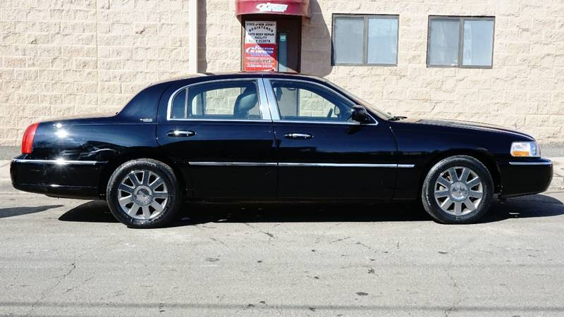 2011 Lincoln Town Car Signature Limited 4dr Sedan In Paterson Nj