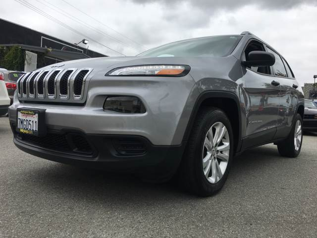 2015 Jeep Cherokee for sale at Solutions Auto Sales Corp. in Orange CA