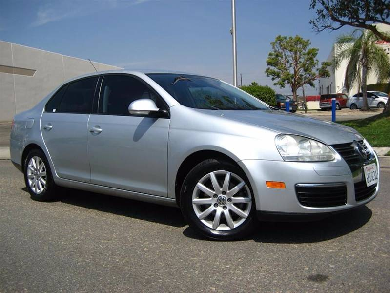2009 Volkswagen Jetta for sale at Solutions Auto Sales Corp. in Orange CA