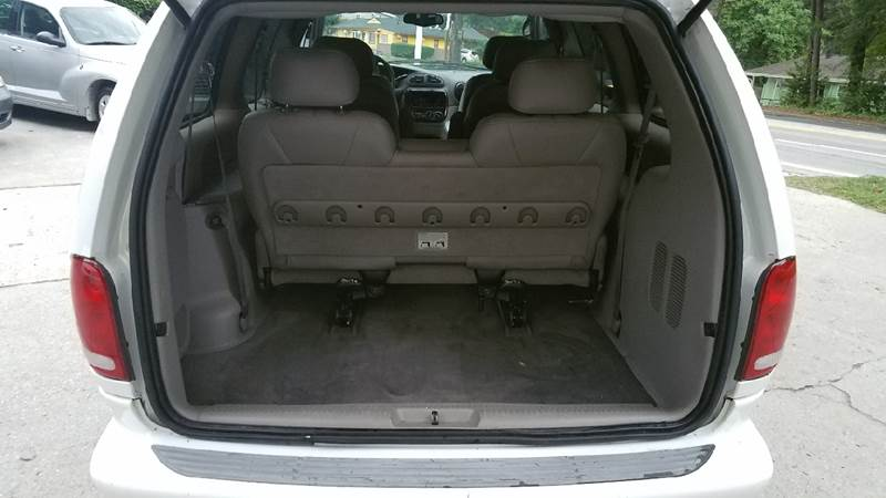 2000 Chrysler Town and Country for sale at BUY HERE PAY HERE AT  MASSIVE AUTO BROKERS in Atlanta GA