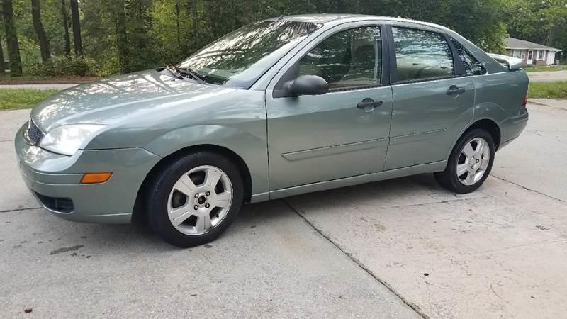 2005 Ford Focus for sale at BUY HERE PAY HERE AT  MASSIVE AUTO BROKERS in Atlanta GA