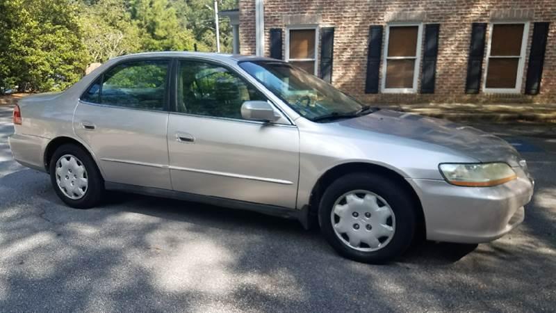 1998 Honda Accord for sale at BUY HERE PAY HERE AT  MASSIVE AUTO BROKERS in Atlanta GA