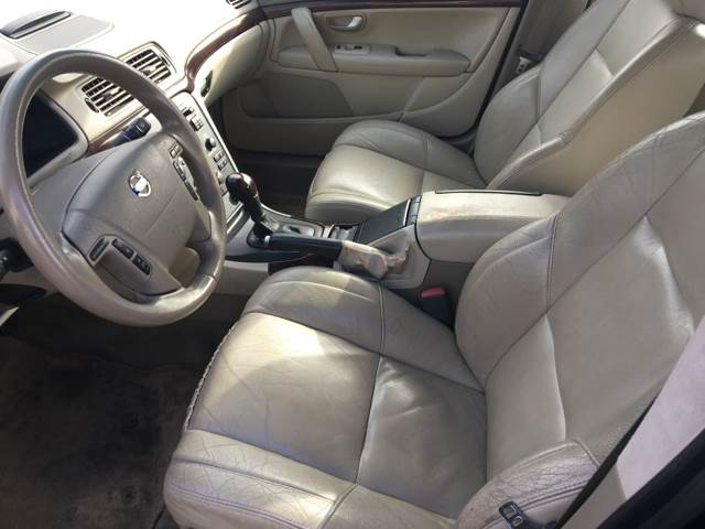 2004 Volvo S80 for sale at Bayside Auto Sales Inc. in Hyannis MA