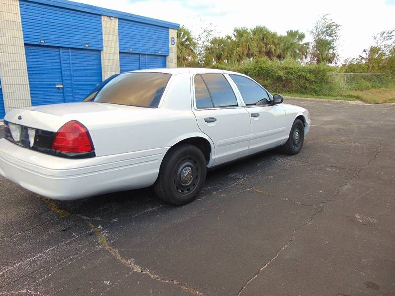 2004 Ford Crown Victoria for sale at CHEVYEXTREME8 USED CARS in Daytona Beach FL & 2004 Ford Crown Victoria Police Interceptor In Daytona Beach FL ... markmcfarlin.com