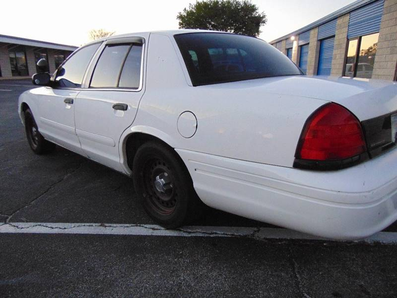 2000 Ford Crown Victoria for sale at CHEVYEXTREME8 USED CARS in Daytona Beach FL