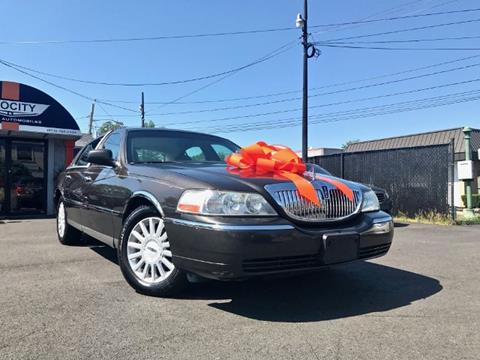 2005 Lincoln Town Car for sale in Totowa, NJ