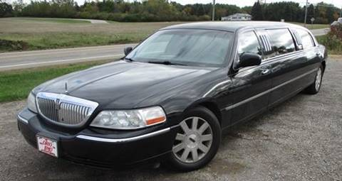 2004 Lincoln Town Car for sale in Bellefontaine, OH