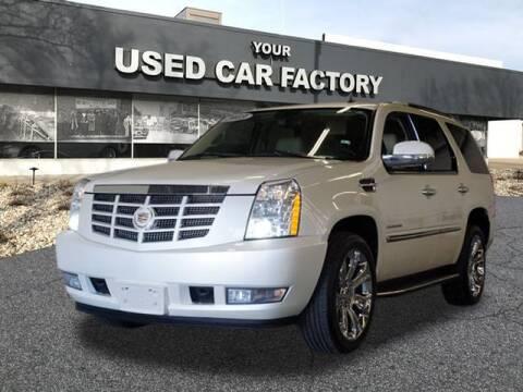 2013 Cadillac Escalade for sale at JOELSCARZ.COM in Flushing MI