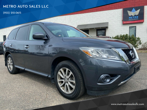 2014 Nissan Pathfinder for sale at METRO AUTO SALES LLC in Blaine MN