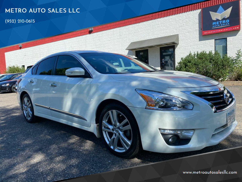 2015 Nissan Altima for sale at METRO AUTO SALES LLC in Blaine MN