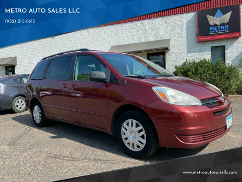 2005 Toyota Sienna for sale at METRO AUTO SALES LLC in Blaine MN