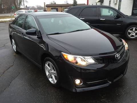 2012 Toyota Camry for sale at METRO AUTO SALES LLC in Blaine MN