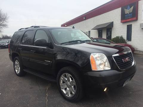 2007 GMC Yukon for sale at METRO AUTO SALES LLC in Blaine MN