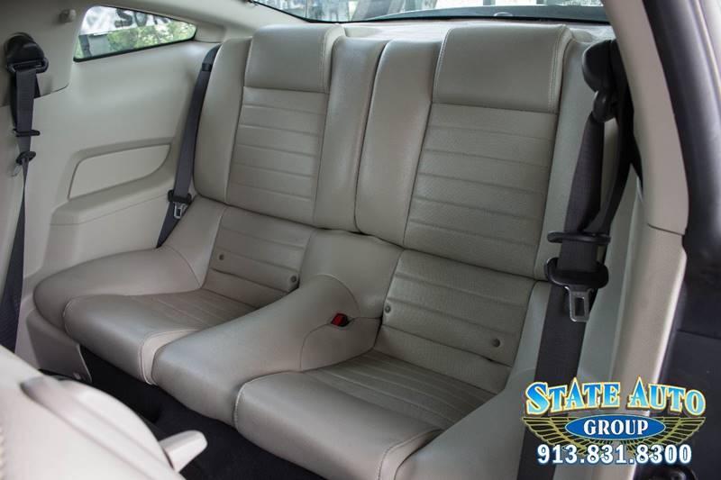 2010 Ford Mustang V6 Premium 2dr Fastback - Kansas City KS
