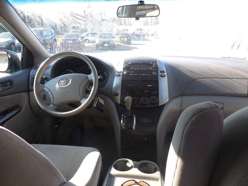 2006 Toyota Sienna for sale at Galaxy Auto LLC in Millersville MD