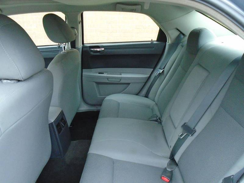 2006 Chrysler 300 Touring 4dr Sedan - Columbus OH