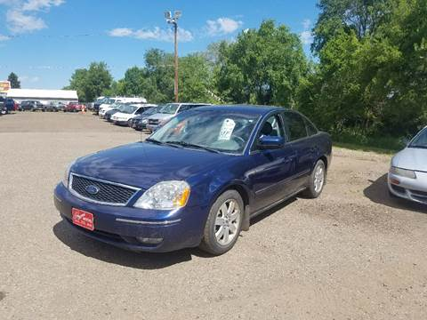 2005 Ford Five Hundred for sale at BARNES AUTO SALES in Mandan ND