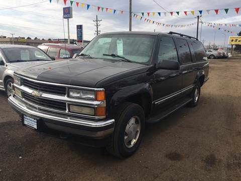 1999 Chevrolet Suburban for sale at BARNES AUTO SALES in Mandan ND