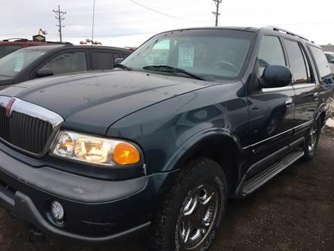 1999 Lincoln Navigator for sale at BARNES AUTO SALES in Mandan ND