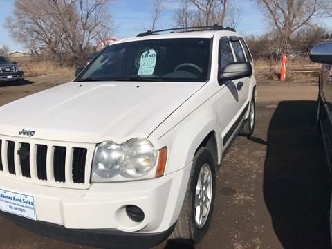 2005 Jeep Grand Cherokee for sale at BARNES AUTO SALES in Mandan ND