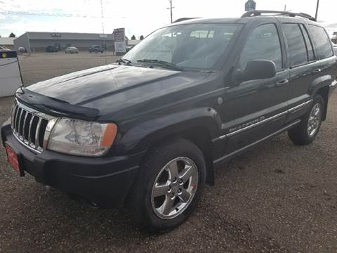2004 Jeep Grand Cherokee for sale at BARNES AUTO SALES in Mandan ND