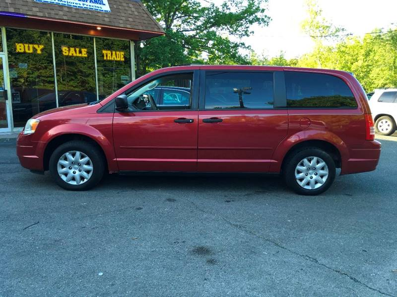 2008 Chrysler Town and Country for sale at D & M Discount Auto Sales in Stafford VA