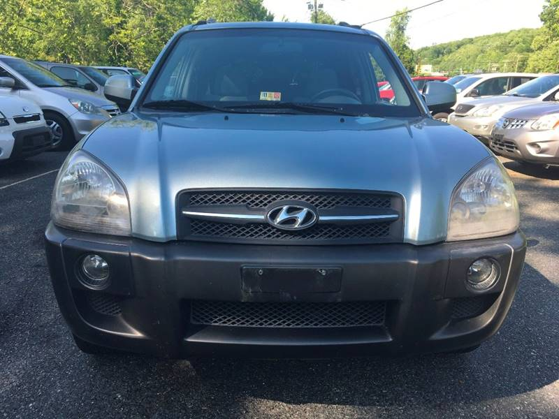 2005 Hyundai Tucson for sale at D & M Discount Auto Sales in Stafford VA