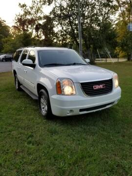 2011 GMC Yukon XL for sale at D & M Discount Auto Sales in Stafford VA