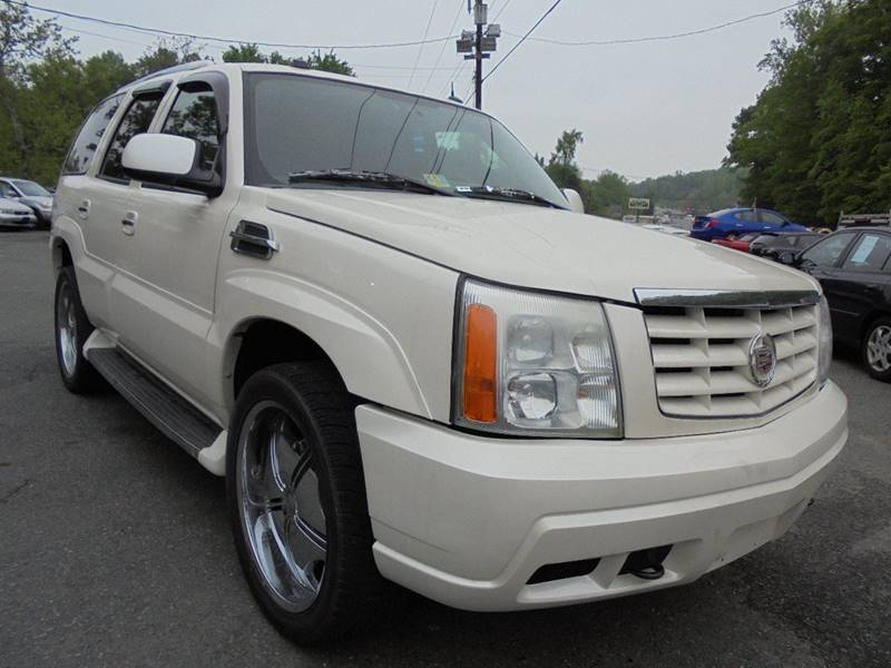 2004 Cadillac Escalade for sale at D & M Discount Auto Sales in Stafford VA