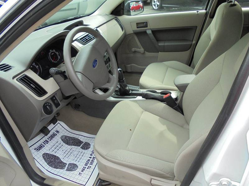 2008 Ford Focus for sale at D & M Discount Auto Sales in Stafford VA