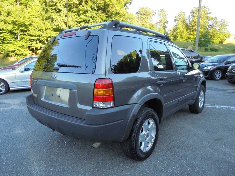 2003 Ford Escape for sale at D & M Discount Auto Sales in Stafford VA
