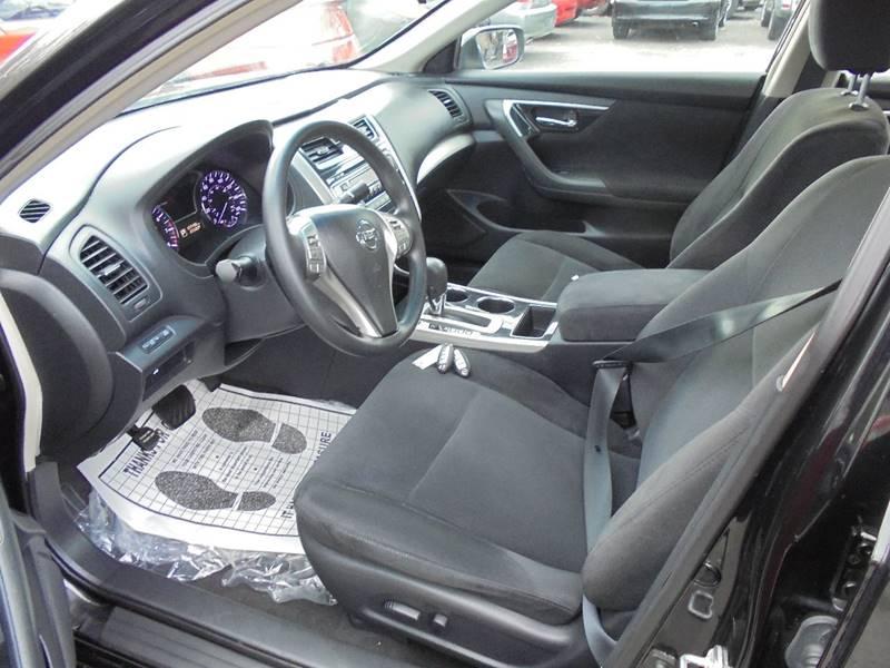 2013 Nissan Altima for sale at D & M Discount Auto Sales in Stafford VA