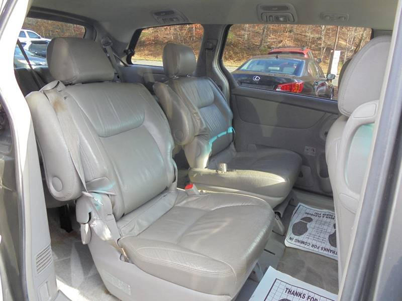 2005 Toyota Sienna for sale at D & M Discount Auto Sales in Stafford VA