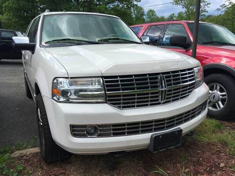 2008 Lincoln Navigator for sale at D & M Discount Auto Sales in Stafford VA