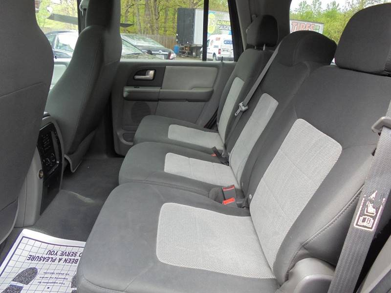 2004 Ford Expedition for sale at D & M Discount Auto Sales in Stafford VA