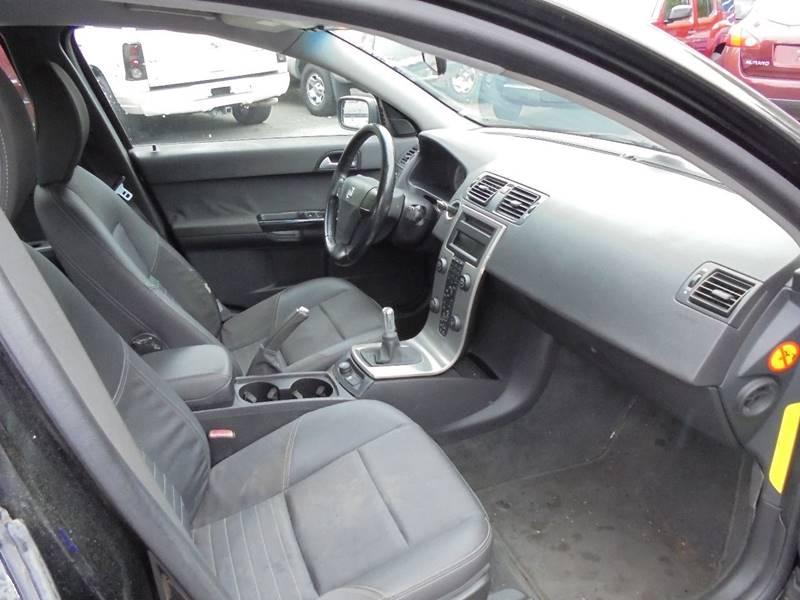 2005 Volvo S40 for sale at D & M Discount Auto Sales in Stafford VA