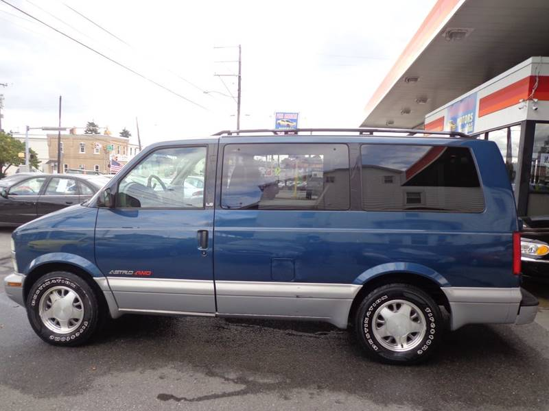 2000 Chevrolet Astro for sale at Penn American Motors LLC in Allentown PA
