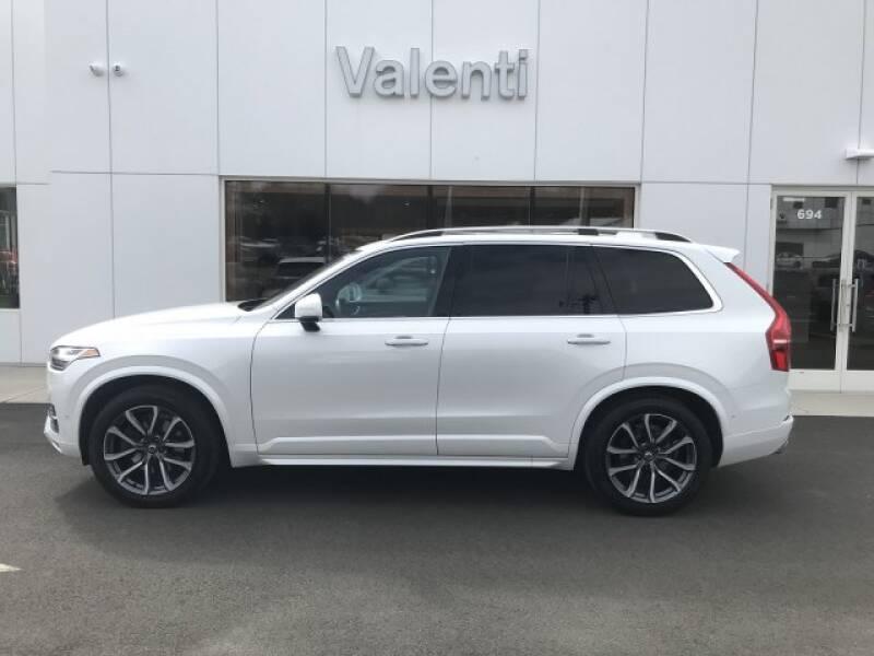 2018 Volvo XC90 T6 Momentum (image 4)