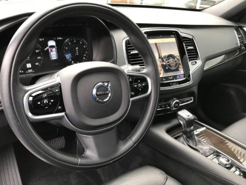 2018 Volvo XC90 T6 Momentum (image 18)