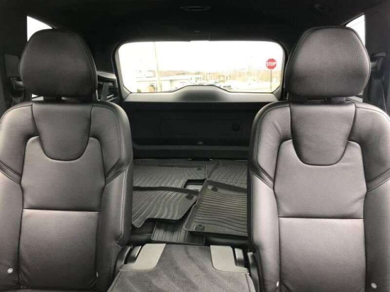 2018 Volvo XC90 T6 Momentum (image 14)