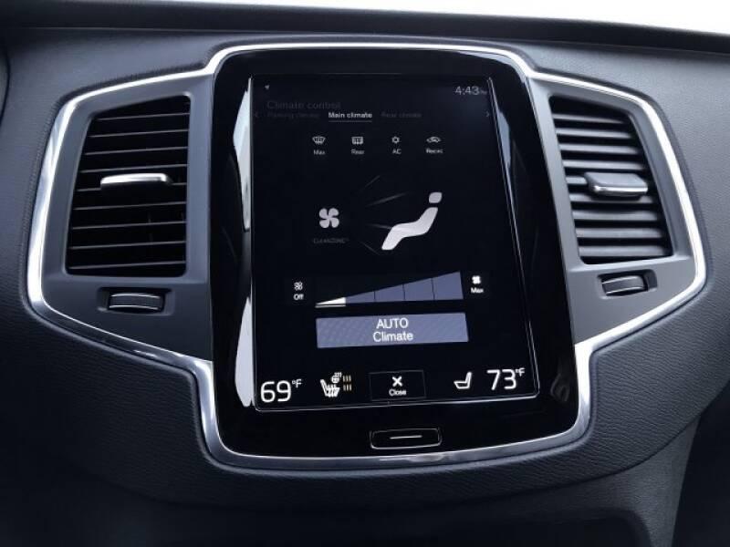 2018 Volvo XC90 T6 Momentum (image 21)