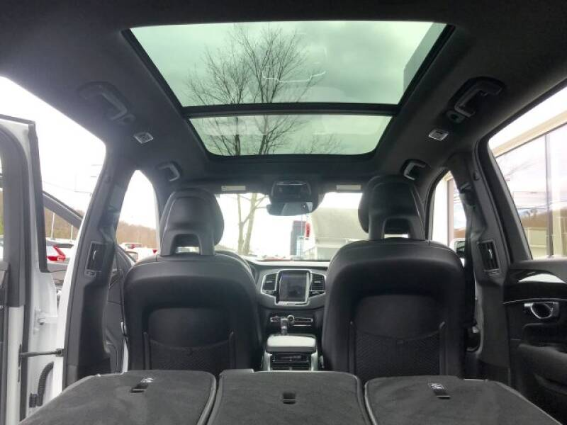 2018 Volvo XC90 T6 Momentum (image 31)