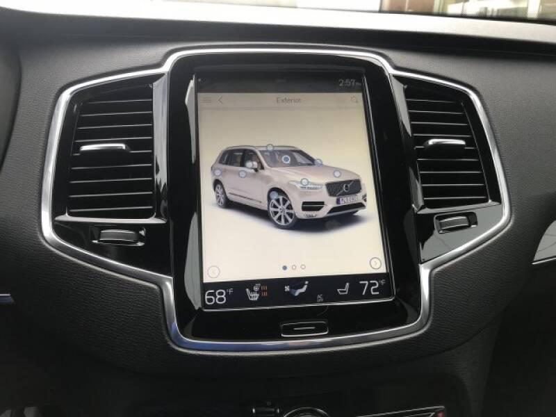 2018 Volvo XC90 T6 Momentum (image 24)