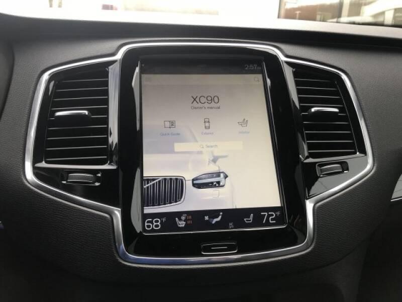 2018 Volvo XC90 T6 Momentum (image 23)