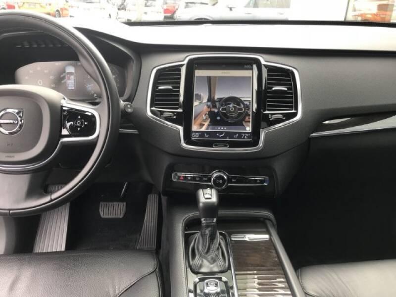 2018 Volvo XC90 T6 Momentum (image 8)