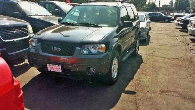 2005 Ford Escape for sale at Sidney Auto Sales in Downey CA